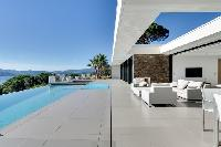 awesome swimming pool of Grimaud - La Grande Bleue luxury apartment