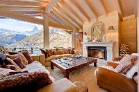 breezy and bright Chalet Grace luxury apartment, holiday home, vacation rental