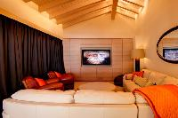 impeccable Chalet Grace luxury apartment, holiday home, vacation rental