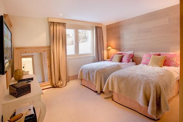 lovely Chalet Grace luxury apartment, holiday home, vacation rental