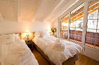clean bedroom linens in Duplex Chalet Carmen luxury apartment, holiday home, vacation rental