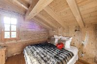snug and serene bedroom in French Alps - Le Diamant luxury apartment