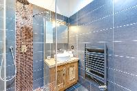 refreshing shower in French Alps - Le Diamant luxury apartment