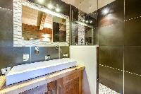 neat and trim bathroom in French Alps - Le Diamant luxury apartment