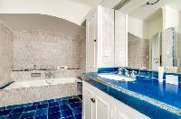 cool bathroom in Saint Raphael - Villa Valescure luxury apartment
