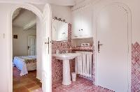 nice toilet and bath in Saint Raphael - Villa Valescure luxury apartment