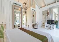 pristine bedroom linens in Thailand - Villa Mia luxury apartment, vacation rental
