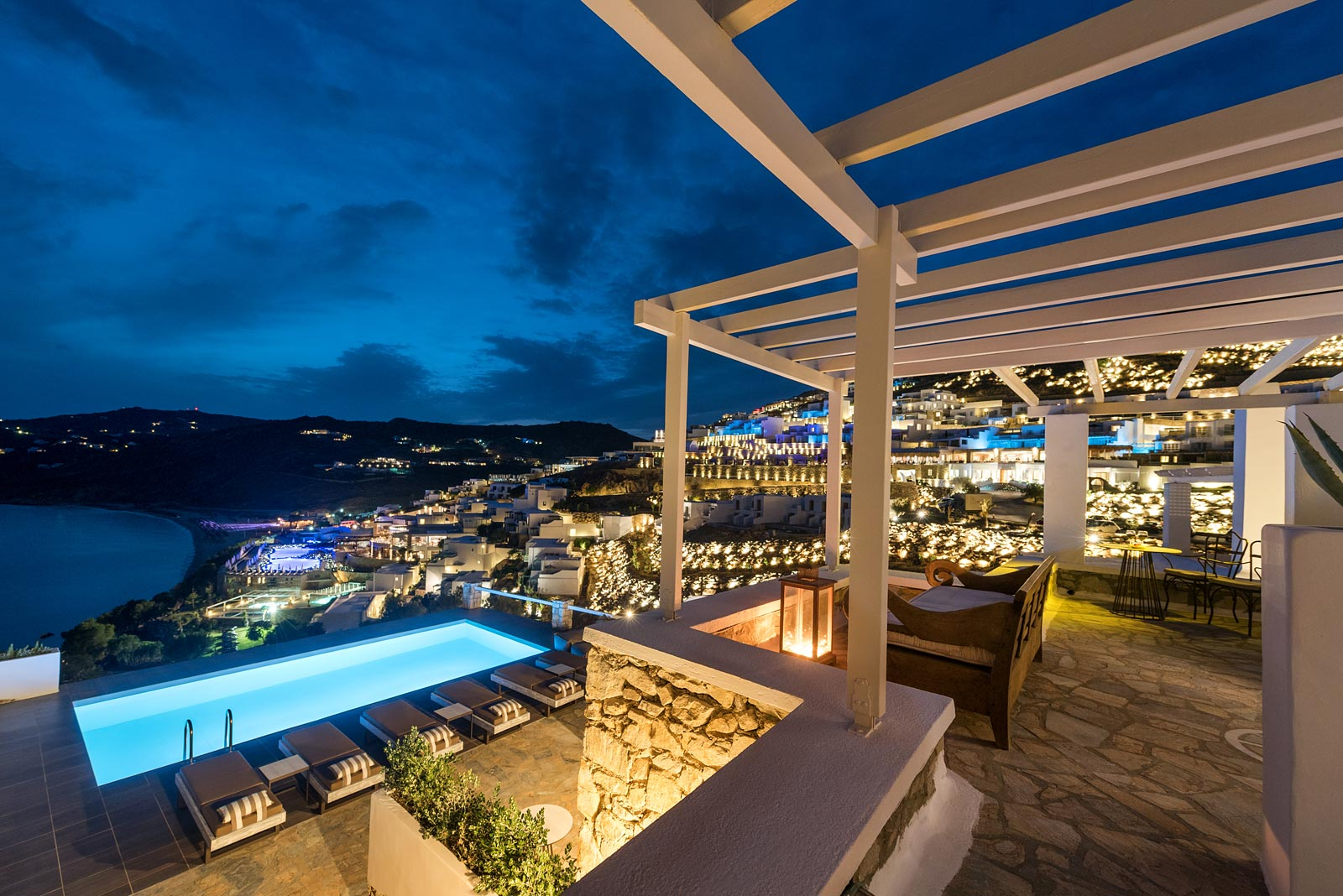 Mykonos Cova Senior Executive Suites