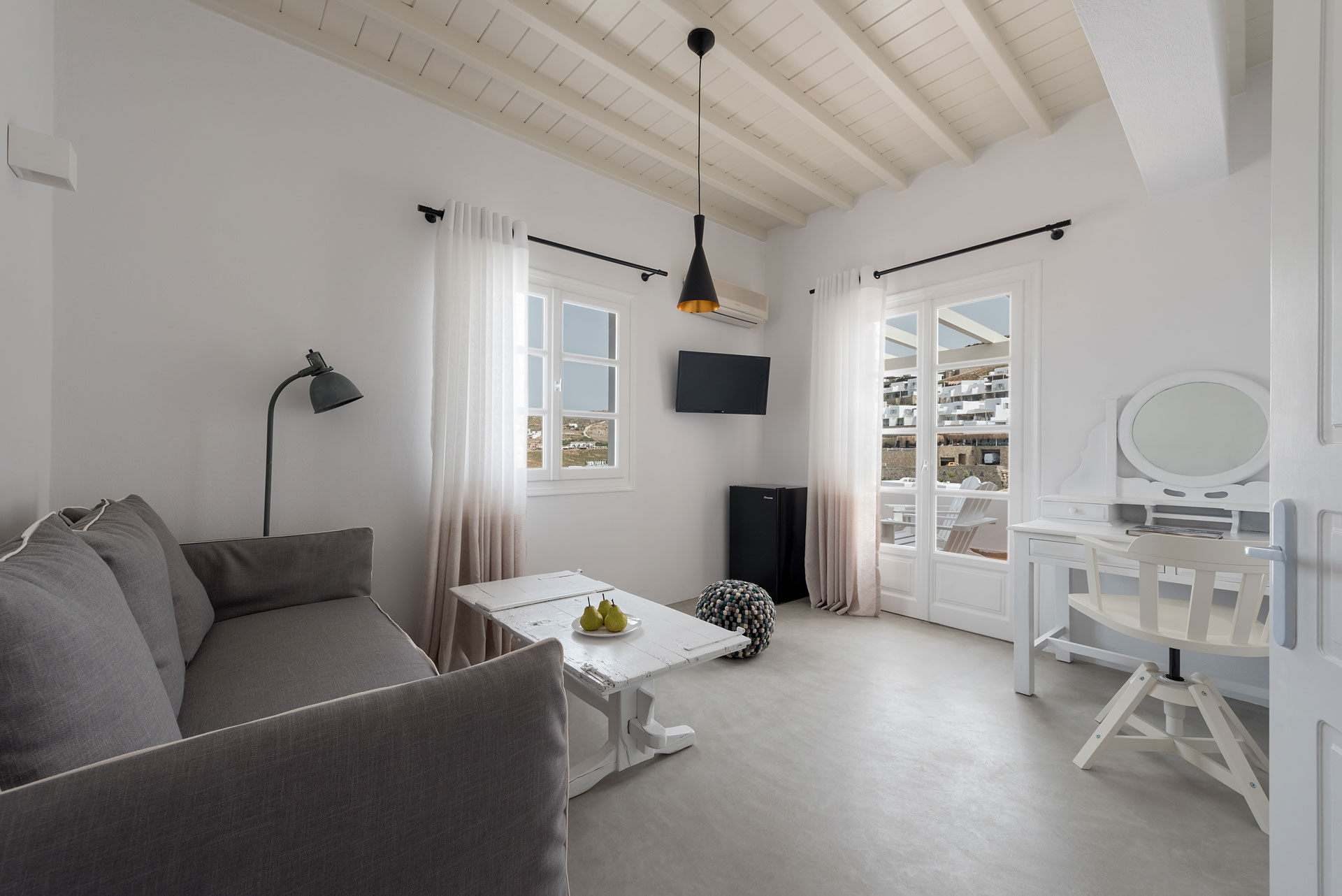 Mykonos Cova Grand Executive Suites