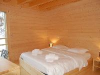 clean bedroom linens in Chalet Woovim House luxury apartment, holiday home, vacation rental