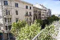 cool foliage and blooms in Barcelona - Platinum luxury apartment