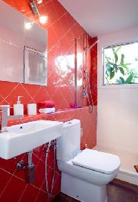 neat and fresh bathroom in Barcelona - Penthouse luxury apartment