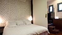 clean and fresh bedroom linens in Barcelona - Terrace 1 luxury apartment