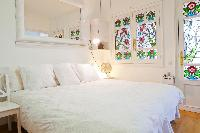 crisp and clean bedroom linens in Barcelona - Terrace 2 luxury apartment