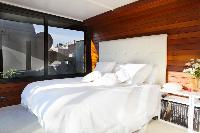 clean and fresh bed sheets in Barcelona - Terrace 2 luxury apartment