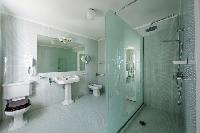 fresh bathroom in Saint-Tropez - Reve de Mer luxury apartment