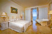 lovely bedroom of Saint-Tropez - Reve de Mer luxury apartment