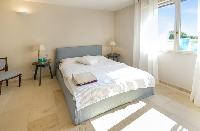 delightful bedroom in Grimaud - Villa Voile d'Argent luxury apartment