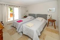 clean and fresh bedding in Grimaud - Villa Voile d'Argent luxury apartment