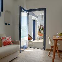 cozy Santorini Sea Dream luxury home, perfect vacation rental