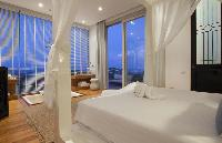 pristine bed sheets in Thailand - Villa Belle luxury apartment, holiday home, vacation rental