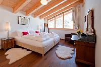 pristine bedding in Penthouse Chalet Zeus luxury apartment, holiday home, vacation rental