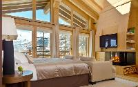 bright and breezy Chalet Maurice luxury apartment, holiday home, vacation rental