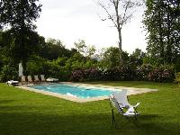 lush and lovely surroundings of Italy - Villa Adriana luxury apartment