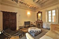 cozy sitting area in Villa San Giulio luxury apartment