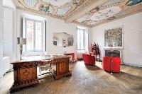 impressive interiors of Villa San Giulio luxury apartment