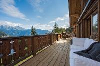 beautiful balcony of Chalet Toundra luxury apartment, holiday home, vacation rental