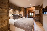 fresh bedroom linens in Chalet Toundra luxury apartment, holiday home, vacation rental