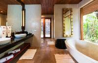 cool tub in Thailand - Baan Wanora luxury apartment
