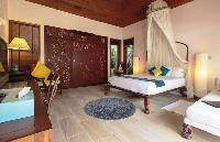 pristine bedroom linens in Thailand - Baan Wanora luxury apartment