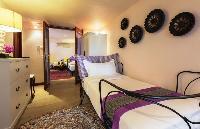 pristine bedding in Thailand - Baan Wanora luxury apartment