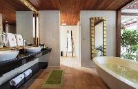 fab freestanding bathtub in Thailand - Baan Wanora luxury apartment