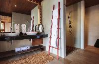 fresh bathroom in Thailand - Baan Wanora luxury apartment