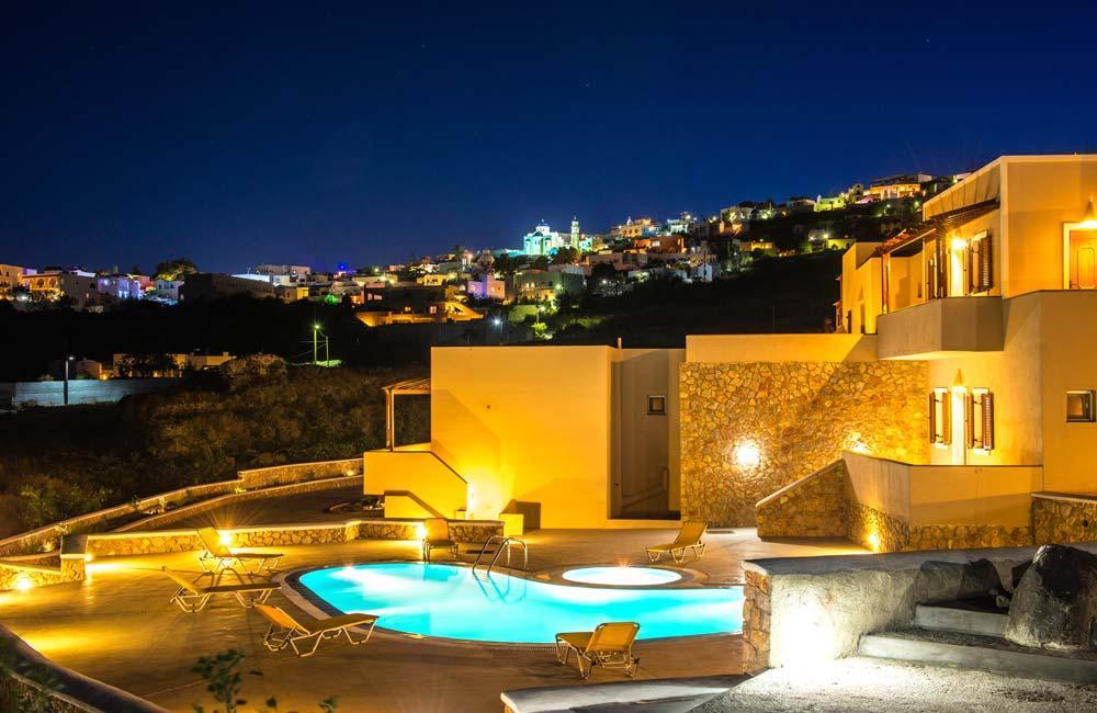 beautiful Santorini Moonlight Long Vista luxury apartment, perfect vacation rental
