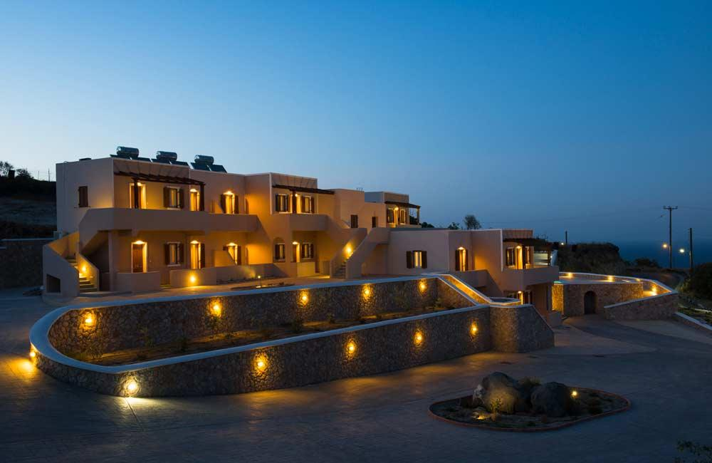 romantic Santorini Moonlight Long Vista luxury apartment, perfect vacation rental