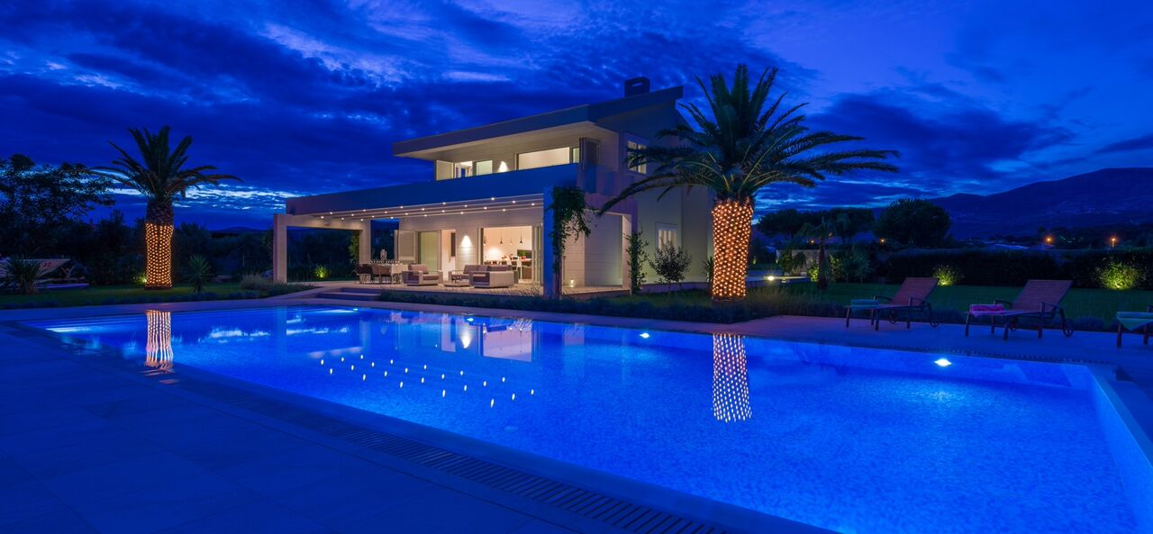 Luxury Villa Red Land
