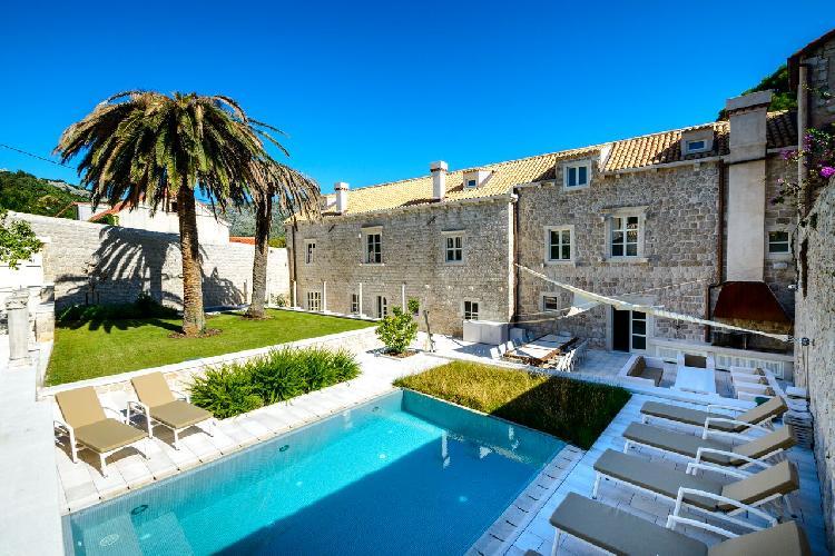 amazing Luxury Villa Castle Zaton holiday home