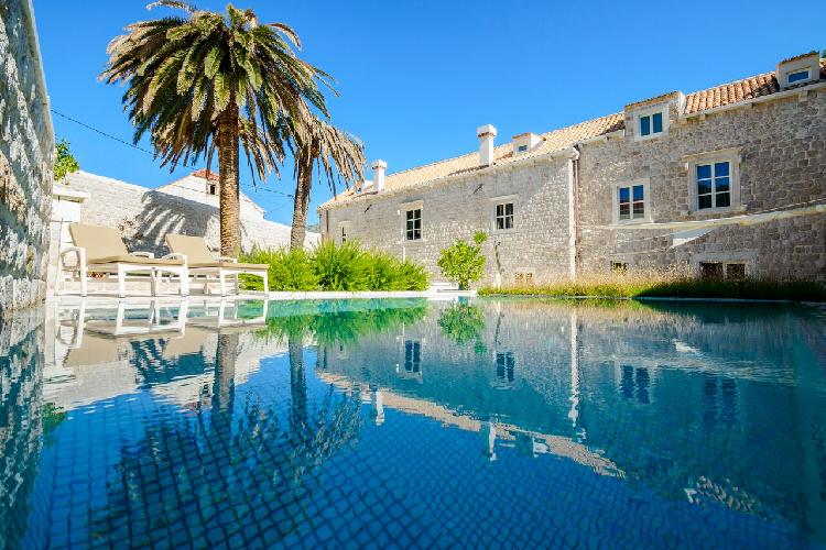 awesome Luxury Villa Castle Zaton holiday home