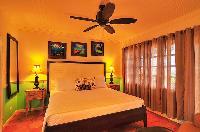 pristine pillows and bed sheets in Bahamas - Villa Allamanda luxury apartment