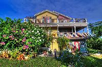 amazing facade of Bahamas - Villa Allamanda luxury apartment