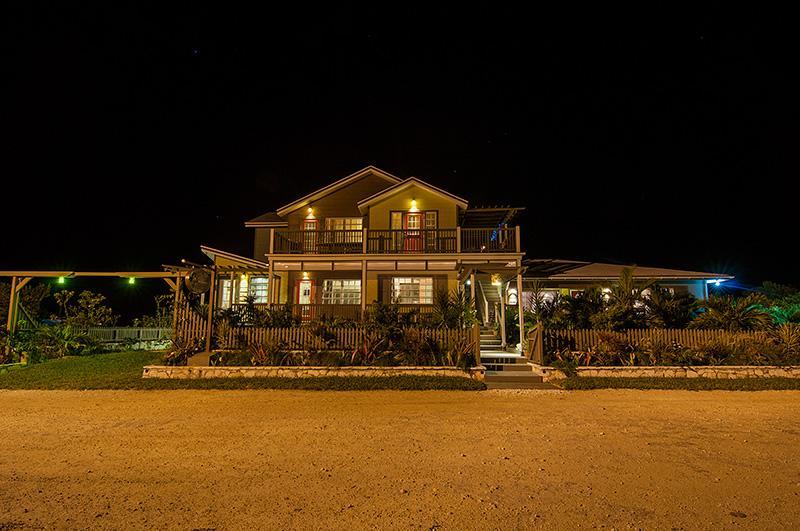 awesome facade of Bahamas - Villa Allamanda luxury apartment