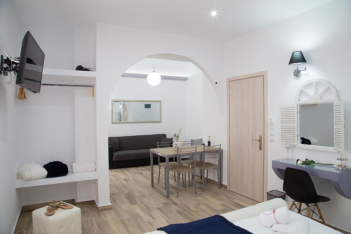 nice Santorini Oasis Agate luxury apartment, perfect vacation rental