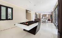 Luxury Villa James Bond