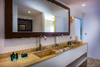 clean bathroom in Barthelemy Estate luxury apartment, holiday home, vacation rental