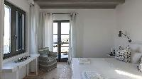relaxing Villa One and Only luxury holiday home and vacation rental