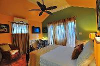 pristine bedding in Bahamas - Villa Allamanda Queen Studio B luxury apartment